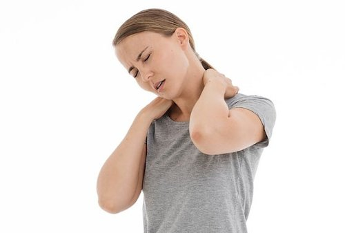 contracturas-cervical-mujer