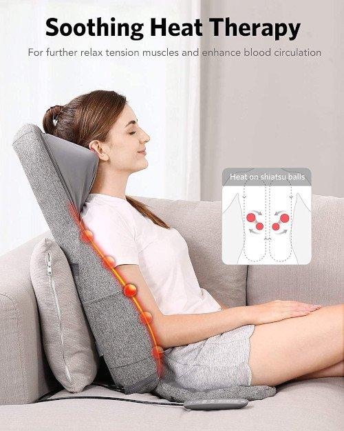 masaje completo sentada de lado chica